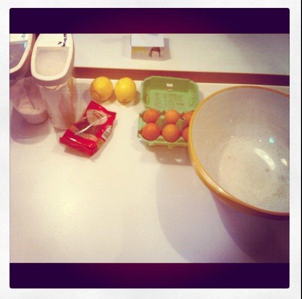 Lemon and Poppyseed Tray bake