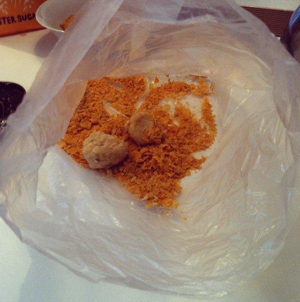 Crunchy Balls into bag